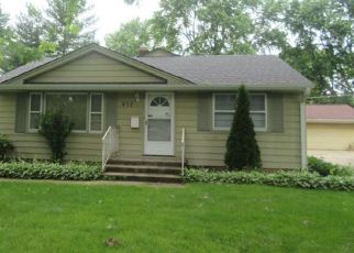 Foreclosed Home in Cary 60013 W ORIOLE TRL - Property ID: 4409515348