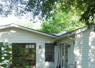 Foreclosed Home in Shreveport 71107 ALBANY RD - Property ID: 4409532880