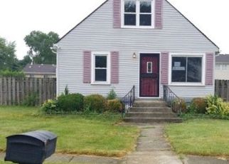Foreclosed Home in Chicago Heights 60411 LOWE AVE - Property ID: 4409560905