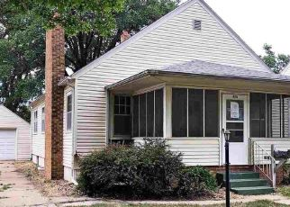 Foreclosed Home in Hutchinson 67501 E 14TH AVE - Property ID: 4409573151