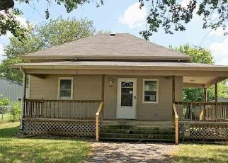 Foreclosed Home in Wellington 67152 N OLIVE ST - Property ID: 4409574476