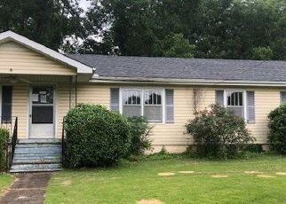 Foreclosed Home in Bessemer 35023 28TH AVE N - Property ID: 4409577542