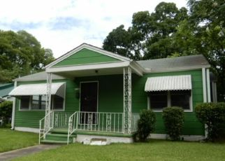 Foreclosed Home in Birmingham 35224 13TH AVE - Property ID: 4409580160