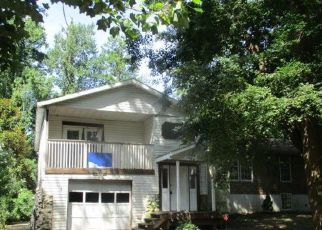 Foreclosed Home in Aberdeen 21001 PINE AVE - Property ID: 4409646300