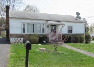 Foreclosed Home in Harrisburg 17113 ORANGE ST - Property ID: 4409698872