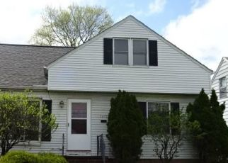 Foreclosed Home in Cleveland 44125 E 132ND ST - Property ID: 4409699745