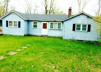 Foreclosed Home in New Fairfield 06812 BACCARA DR - Property ID: 4409901650