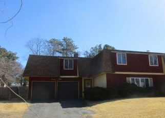 Foreclosed Home in Medford 11763 BLACKPINE DR - Property ID: 4409903843