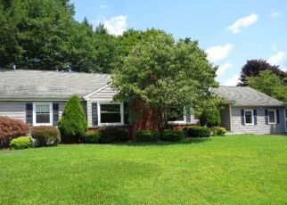 Foreclosed Home in Trumbull 06611 LAUREL ST - Property ID: 4409905586
