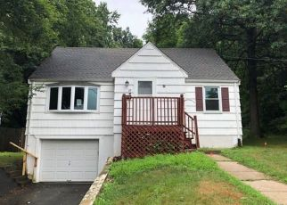 Foreclosed Home in New Britain 06053 CLAYTON CT - Property ID: 4409909526