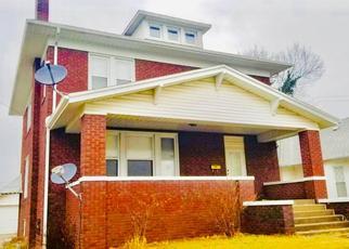 Foreclosed Home in Harrisburg 62946 E WALNUT ST - Property ID: 4409989233