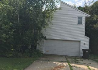Foreclosed Home in Middleton 53562 GLENN LN - Property ID: 4410058438