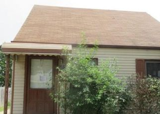 Foreclosed Home in Wyandotte 48192 6TH ST - Property ID: 4410067190