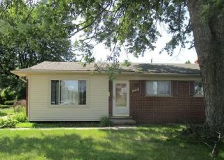 Foreclosed Home in Livonia 48154 LYNDON ST - Property ID: 4410068959