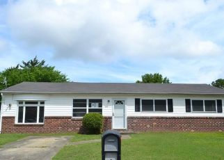 Foreclosed Home in Chesapeake 23324 CANDLEWOOD CIR - Property ID: 4410082976