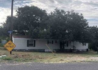 Foreclosed Home in Llano 78643 E COLLINS ST - Property ID: 4410100480