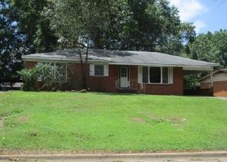 Foreclosed Home in Marshall 75672 CALVERT DR - Property ID: 4410112303