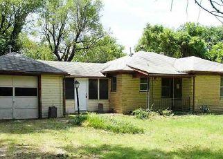 Foreclosed Home in Wichita 67216 S RUTAN ST - Property ID: 4410155671