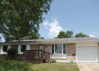 Foreclosed Home in Mount Vernon 43050 S EDGEWOOD RD - Property ID: 4410214354