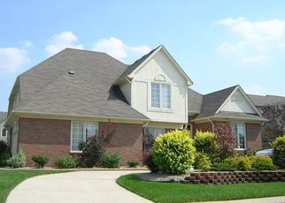Foreclosed Home in Sterling Heights 48310 RIVERBEND DR - Property ID: 4410222684