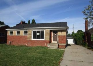 Foreclosed Home in Eastpointe 48021 SCHROEDER AVE - Property ID: 4410339620