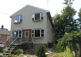Foreclosed Home in North Weymouth 02191 WEYBOSSET ST - Property ID: 4410353188