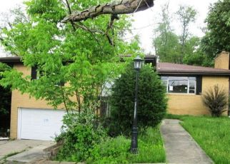 Foreclosed Home in Mckeesport 15131 CIRCLE DR - Property ID: 4410624290