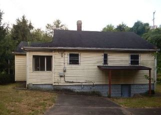 Foreclosed Home in North Versailles 15137 PORTER ST - Property ID: 4410693504