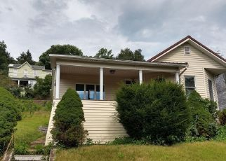 Foreclosed Home in Grafton 26354 HIGH ST - Property ID: 4410717592
