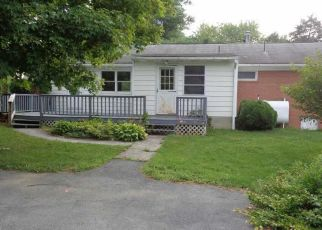 Foreclosed Home in Inwood 25428 EMERY LN - Property ID: 4410729409