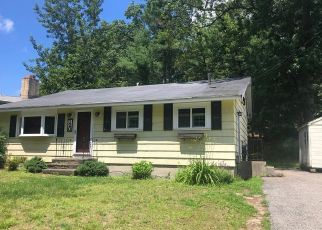 Foreclosed Home in North Chelmsford 01863 MEADOWBROOK RD - Property ID: 4410769713