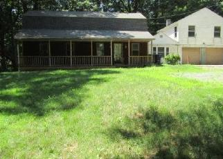Foreclosed Home in Sandy Hook 06482 BERKSHIRE RD - Property ID: 4410829263