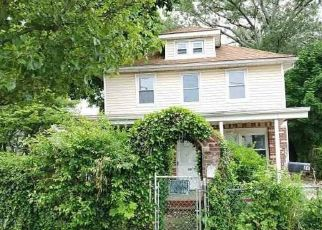 Foreclosed Home in Huntington Station 11746 FAIRGROUND AVE - Property ID: 4410830590