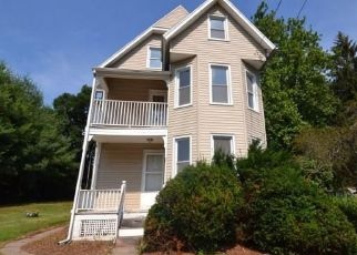 Foreclosed Home in Meriden 06450 HICKS ST - Property ID: 4410842861