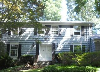 Foreclosed Home in Norwalk 06851 TULIP TREE LN - Property ID: 4410844604