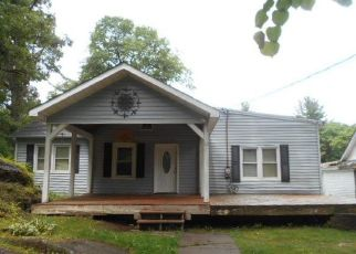 Foreclosed Home in Saugerties 12477 EASTERN PKWY - Property ID: 4410853353