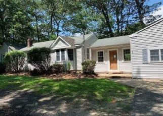 Foreclosed Home in Middle Island 11953 HALF MILE RD - Property ID: 4410857292