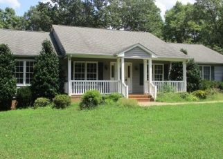 Foreclosed Home in Appomattox 24522 MOUNTAIN CUT RD - Property ID: 4410893212