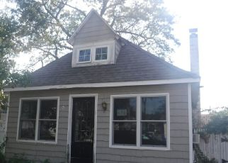 Foreclosed Home in Brick 08723 HARVEY AVE - Property ID: 4410900217