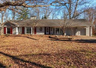 Foreclosed Home in Glasgow 42141 HIGHLAND PARK - Property ID: 4410923885