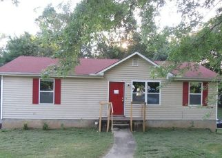 Foreclosed Home in Woodlawn 37191 LYLEWOOD RD - Property ID: 4410952793