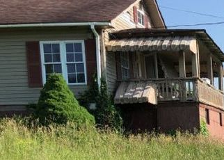 Foreclosed Home in Glen Daniel 25844 COAL RIVER RD - Property ID: 4411008850