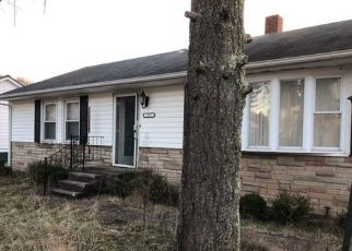 Foreclosed Home in Bluefield 24701 WARDEN AVE - Property ID: 4411037306