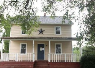 Foreclosed Home in Middleport 14105 STONE RD - Property ID: 4411044314