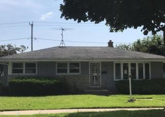 Foreclosed Home in Milwaukee 53222 N 77TH ST - Property ID: 4411074990