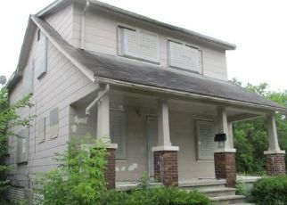 Foreclosed Home in Detroit 48205 LAPPIN ST - Property ID: 4411107382
