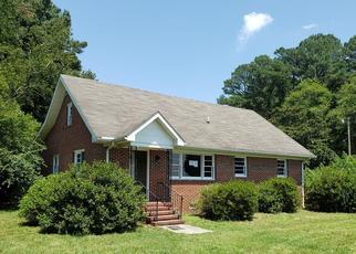 Foreclosed Home in White Stone 22578 OCRAN RD - Property ID: 4411171775