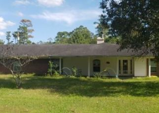 Foreclosed Home in Orange 77632 CANTERBURY DR - Property ID: 4411202426