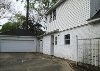 Foreclosed Home in Kingwood 77345 LAUREL RIDGE DR - Property ID: 4411215568