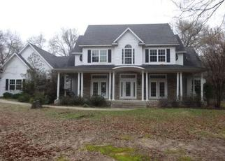 Foreclosed Home in Quinlan 75474 STONECREEK DR - Property ID: 4411217760